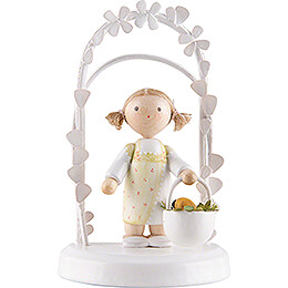 Flax Haired Children  -  Birthday Child with Flower Wreath  -  pink  -  7,5cm / 3 inch