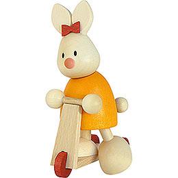 Kaninchen Emma auf Roller  -  9cm