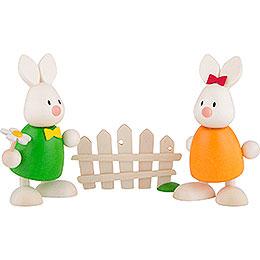 Kaninchen Max und Emma küssend am Gartenzaun  -  9cm